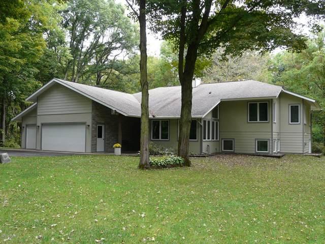 1331 34th Street, Allegan, MI 49010 (MLS #20012349) :: Matt Mulder Home Selling Team