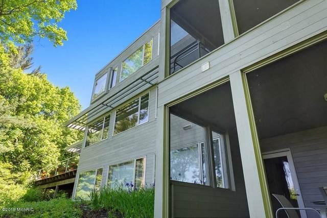 9475 Lakeview Drive, Bridgman, MI 49106 (MLS #20012640) :: Deb Stevenson Group - Greenridge Realty