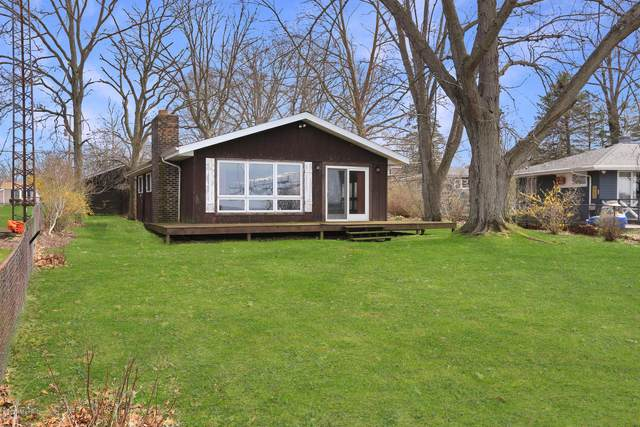 50198 E Lake Shore Drive, Dowagiac, MI 49047 (MLS #20013660) :: JH Realty Partners