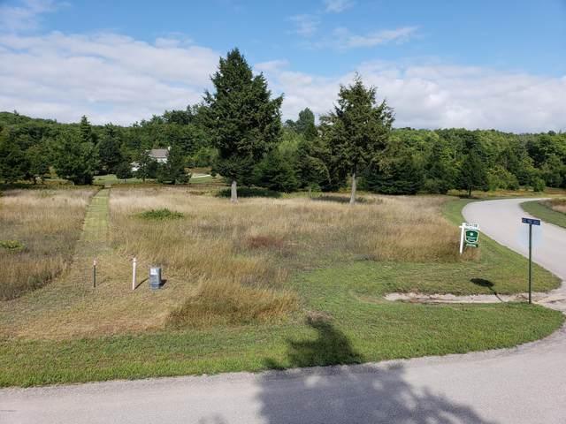 Eagle Ridge Circle Lot 141, Onekama, MI 49675 (MLS #20013979) :: CENTURY 21 C. Howard