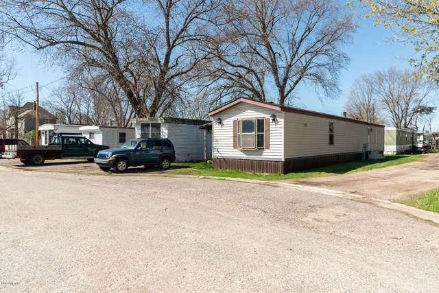 140 N Pleasant Avenue, Lowell, MI 49331 (MLS #20014262) :: Deb Stevenson Group - Greenridge Realty