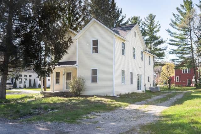 9 Lawn Street, Douglas, MI 49406 (MLS #20015087) :: CENTURY 21 C. Howard