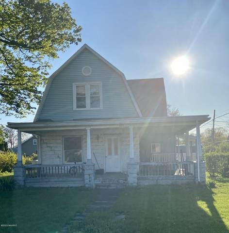 300 S Kalamazoo Street, White Pigeon, MI 49099 (MLS #20015924) :: Deb Stevenson Group - Greenridge Realty