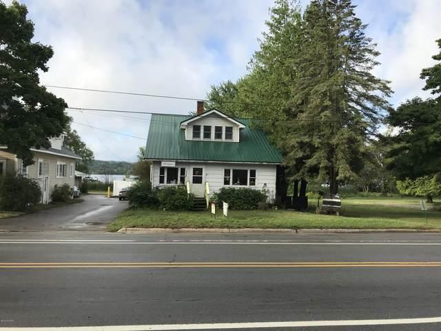 5117 Main Street, Onekama, MI 49675 (MLS #20016191) :: CENTURY 21 C. Howard