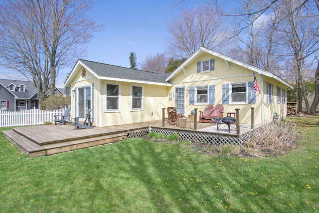7140 Kansas Street, Ludington, MI 49431 (MLS #20016337) :: Deb Stevenson Group - Greenridge Realty