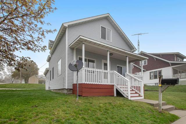 401 Sixth Street, Ludington, MI 49431 (MLS #20017098) :: Deb Stevenson Group - Greenridge Realty