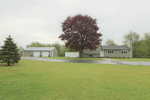 52101 Townhall Road, Dowagiac, MI 49047 (MLS #20017135) :: JH Realty Partners