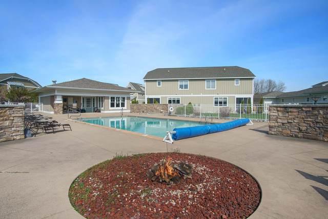 930 W Savidge Street #20, Spring Lake, MI 49456 (MLS #20017392) :: Jennifer Lane-Alwan