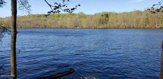 N Red Bud Trail, Buchanan, MI 49107 (MLS #20017591) :: Deb Stevenson Group - Greenridge Realty