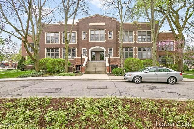 2006 Wealthy Street SE #102, East Grand Rapids, MI 49506 (MLS #20017716) :: JH Realty Partners