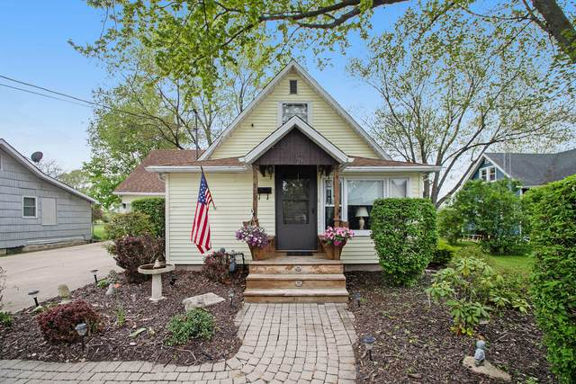 109 Featherbone Avenue, Three Oaks, MI 49128 (MLS #20017839) :: CENTURY 21 C. Howard