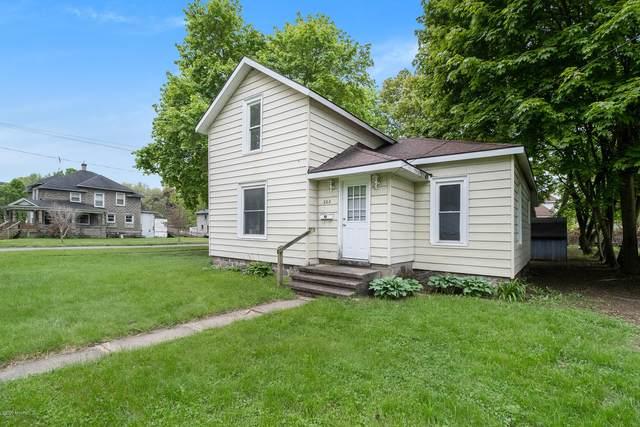 202 Wood Street, Three Rivers, MI 49093 (MLS #20018208) :: JH Realty Partners