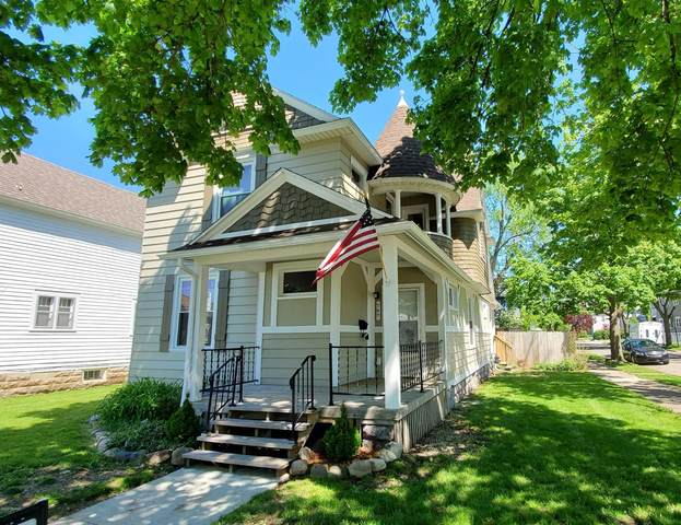 747 Fifth Street NW, Grand Rapids, MI 49504 (MLS #20018238) :: JH Realty Partners