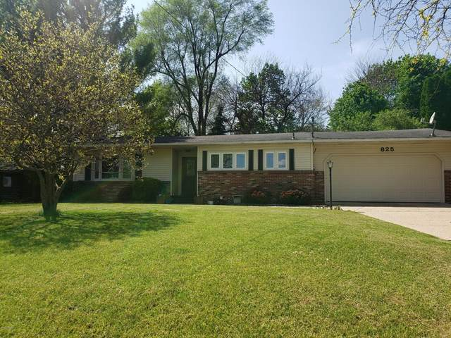 825 Morningside Drive, Lake Odessa, MI 48849 (MLS #20018320) :: Jennifer Lane-Alwan