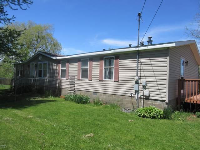 55 1st Street, Sand Lake, MI 49343 (MLS #20018336) :: Deb Stevenson Group - Greenridge Realty