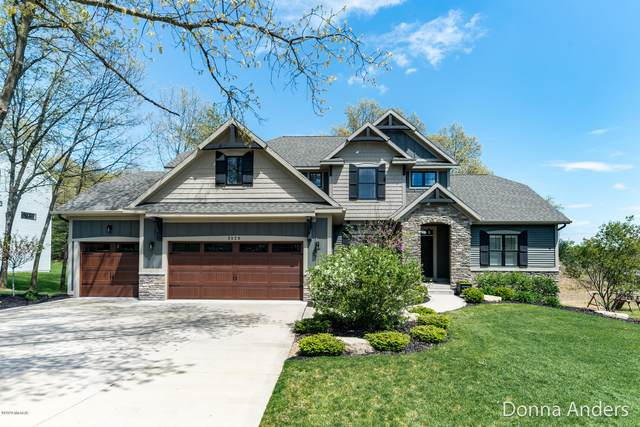 2320 Knapp Forest Court, Grand Rapids, MI 49525 (MLS #20018352) :: JH Realty Partners