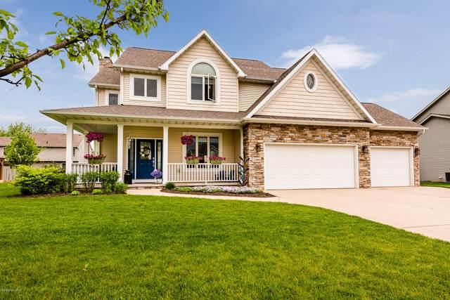 2395 Perry Drive, Stevensville, MI 49127 (MLS #20018390) :: Deb Stevenson Group - Greenridge Realty