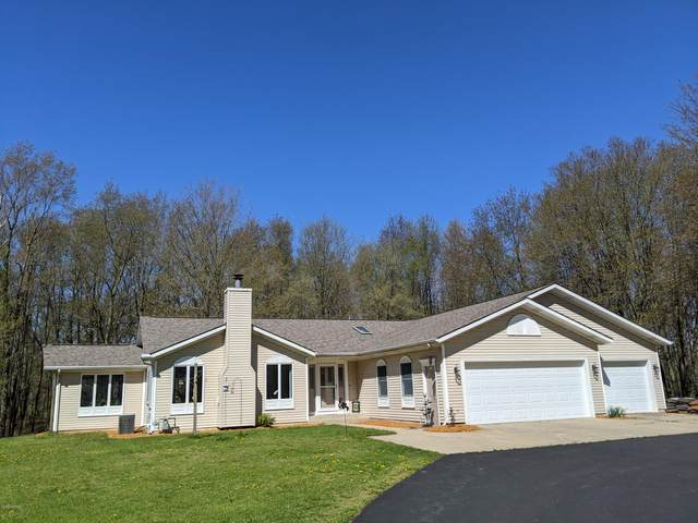 4640 6th Street, Caledonia, MI 49316 (MLS #20018431) :: JH Realty Partners