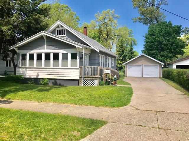 1114 Mills Avenue, North Muskegon, MI 49445 (MLS #20018636) :: Deb Stevenson Group - Greenridge Realty