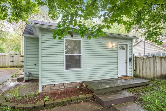 2401 Springmont Avenue, Kalamazoo, MI 49008 (MLS #20019032) :: CENTURY 21 C. Howard
