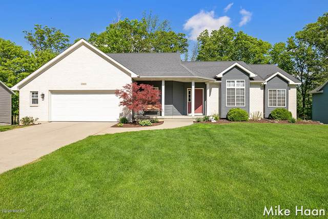 2262 Maplerow Avenue NW, Walker, MI 49534 (MLS #20019266) :: Ginger Baxter Group