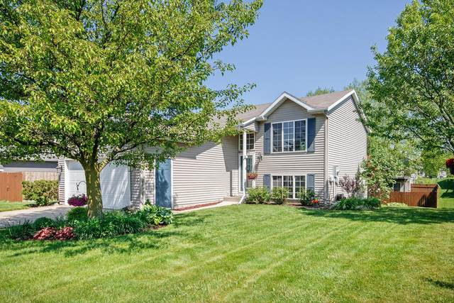 3009 Burritt Street NW, Grand Rapids, MI 49504 (MLS #20019313) :: Ginger Baxter Group