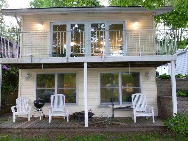 11 Labelle Terrace, Richland, MI 49083 (MLS #20019403) :: CENTURY 21 C. Howard