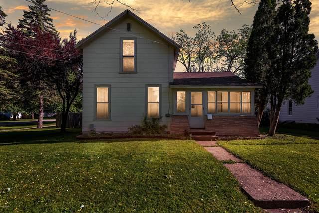 230 W North Street, Ithaca, MI 48847 (MLS #20019801) :: CENTURY 21 C. Howard
