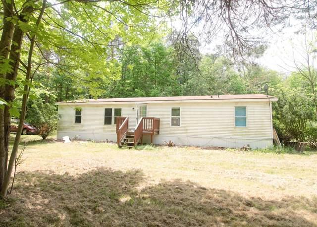 16923 Trufant Avenue NE, Sand Lake, MI 49343 (MLS #20019886) :: Jennifer Lane-Alwan