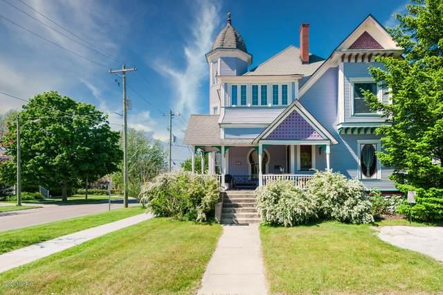 401 Michigan Avenue, South Haven, MI 49090 (MLS #20020306) :: CENTURY 21 C. Howard