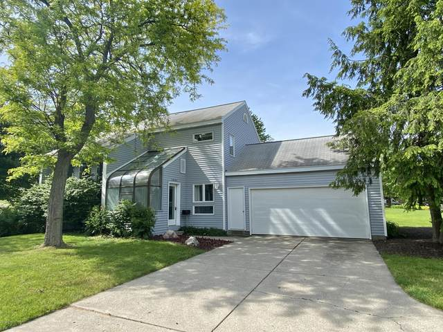 1441 Laurel Avenue SE, Grand Rapids, MI 49506 (MLS #20020510) :: Keller Williams RiverTown