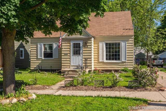 925 Burton Street SE, Grand Rapids, MI 49507 (MLS #20020530) :: Keller Williams RiverTown