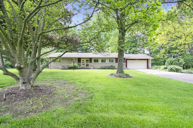 8236 N Hillcrest Drive, Berrien Springs, MI 49103 (MLS #20021762) :: Deb Stevenson Group - Greenridge Realty