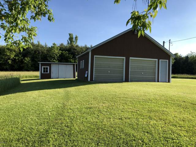 4228 E Wealthy Street, Fountain, MI 49410 (MLS #20022237) :: Jennifer Lane-Alwan