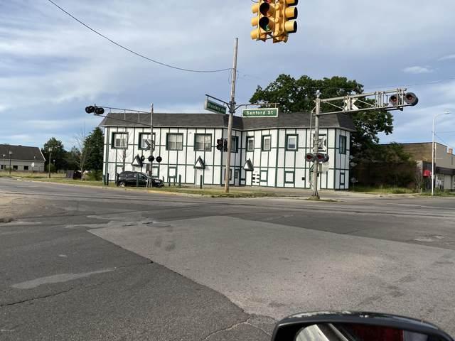 2780 Sanford Street, Muskegon Heights, MI 49444 (MLS #20022579) :: CENTURY 21 C. Howard