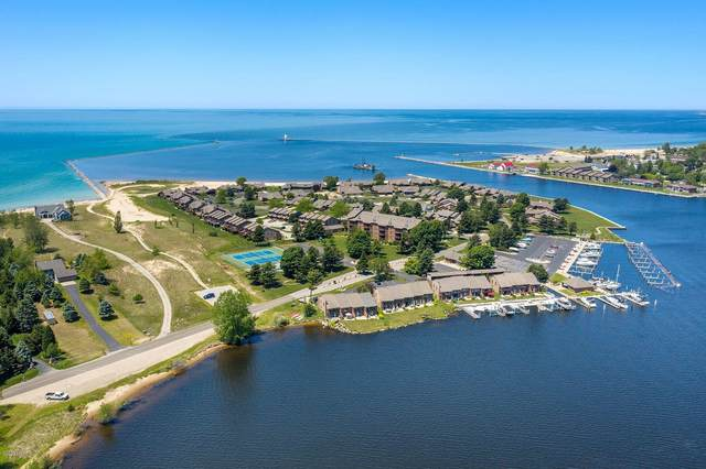 54 Harbor Drive, Ludington, MI 49431 (MLS #20022915) :: Deb Stevenson Group - Greenridge Realty