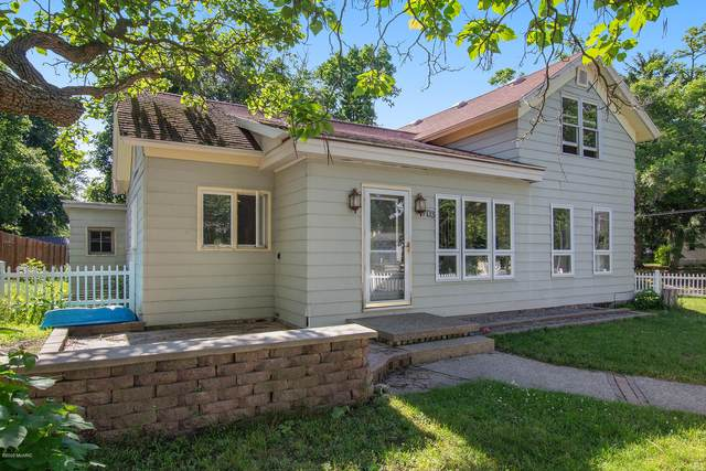 703 S Bridge Street, Belding, MI 48809 (MLS #20024114) :: Jennifer Lane-Alwan