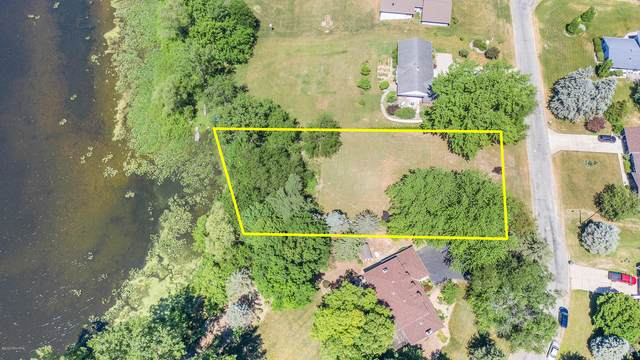 2864 W Lakeland Drive, Berrien Springs, MI 49103 (MLS #20024274) :: Deb Stevenson Group - Greenridge Realty