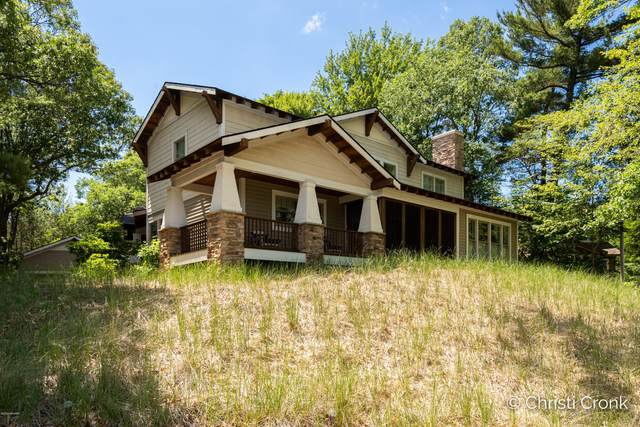 7433 Palm Drive, Spring Lake, MI 49456 (MLS #20024354) :: Deb Stevenson Group - Greenridge Realty