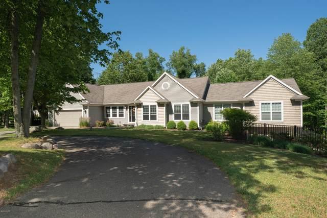 12550 N Sherman Lake Drive, Augusta, MI 49012 (MLS #20024681) :: Jennifer Lane-Alwan