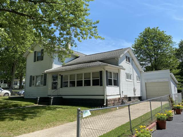 103 Oak Street, Hillsdale, MI 49242 (MLS #20024871) :: CENTURY 21 C. Howard