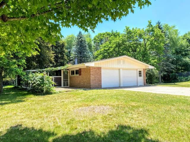 908 Cherry Avenue, Big Rapids, MI 49307 (MLS #20024896) :: Deb Stevenson Group - Greenridge Realty