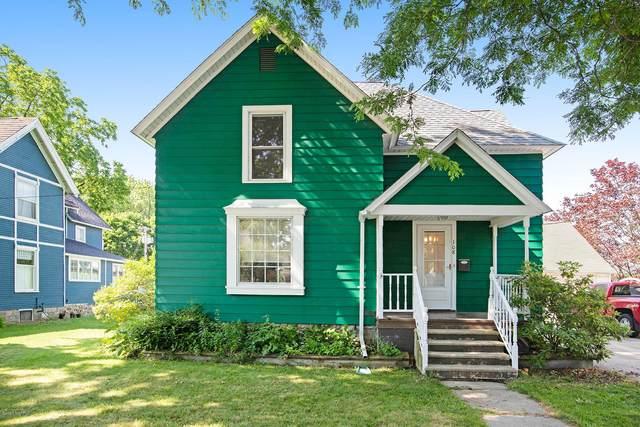 108 W Maple Street, Vicksburg, MI 49097 (MLS #20025137) :: Ron Ekema Team