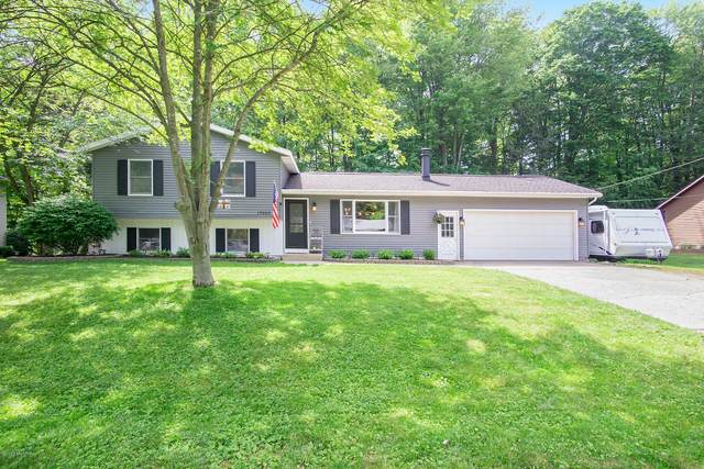 17665 Bayberry Drive, Spring Lake, MI 49456 (MLS #20025236) :: JH Realty Partners