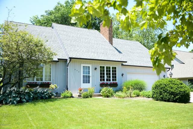 938 Pioneer Avenue, Holland, MI 49423 (MLS #20025437) :: JH Realty Partners