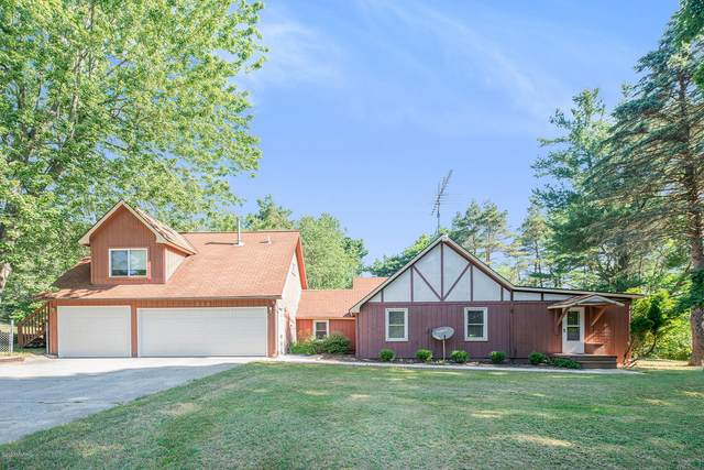 9937 N Division Avenue, Sparta, MI 49345 (MLS #20025562) :: Jennifer Lane-Alwan