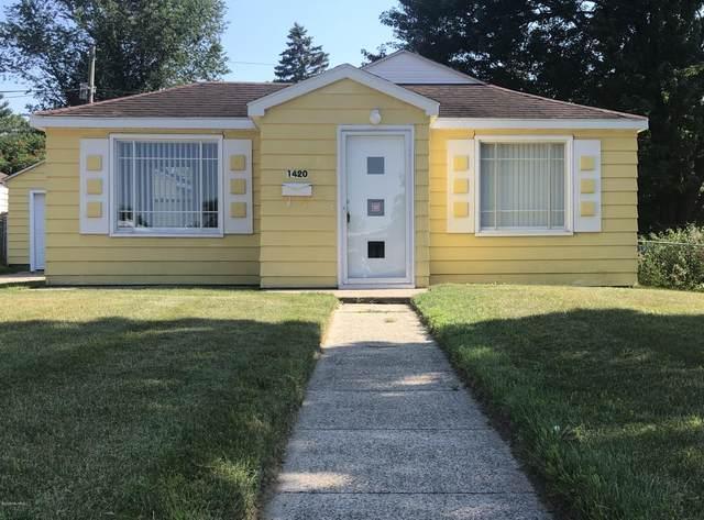1420 Eagle Street, Niles, MI 49120 (MLS #20025586) :: Deb Stevenson Group - Greenridge Realty