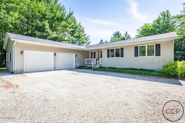 8554 Chuckanut Drive, Montague, MI 49437 (MLS #20025615) :: Deb Stevenson Group - Greenridge Realty