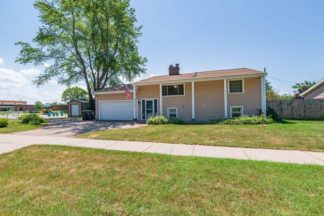 322 Hill Street, Coloma, MI 49038 (MLS #20025732) :: JH Realty Partners