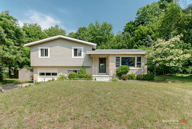 14535 Angelus Circle, Grand Haven, MI 49417 (MLS #20025816) :: Jennifer Lane-Alwan